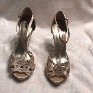 f98391567f7 Payless Shoes - FIONI NIGHT CHAMPAGNE HEELS